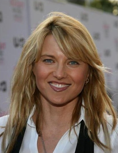 Lucy Lawless bio